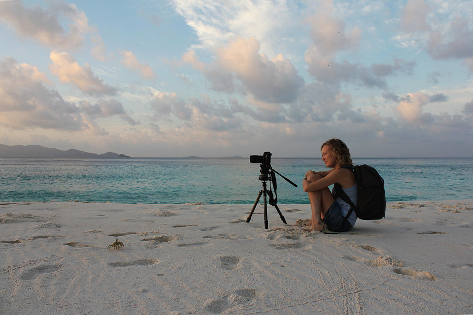 Klaartje Puttemans selfportrait filming beach Aride 4359